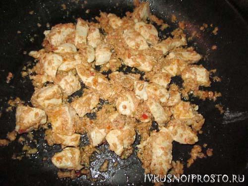 Салат из курицы с капустой2
