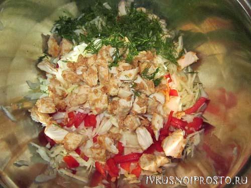 Салат из курицы с капустой3
