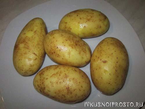 Картофель запеченный в духовке1