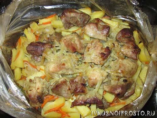 Картошка с мясом в рукаве2