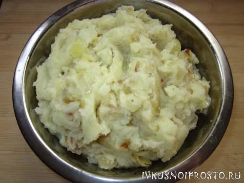 Пирог с картошкой в духовке1