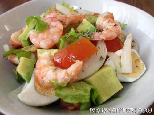 салат в авокадо с креветками фото рецепт
