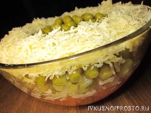 Слоеный салат с сыром