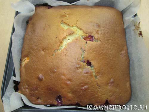 Заливной пирог с ягодами7