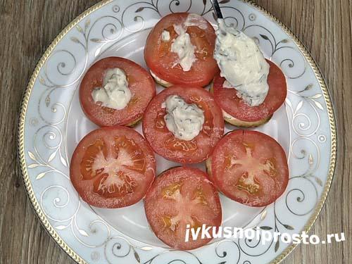 Кабачки с помидорами и чесноком11