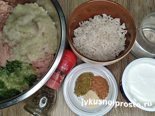 Тефтели в сметанном соусе в духовке1