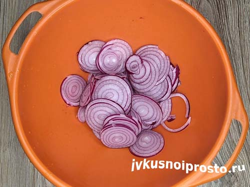 Салат из баклажанов с яйцом5